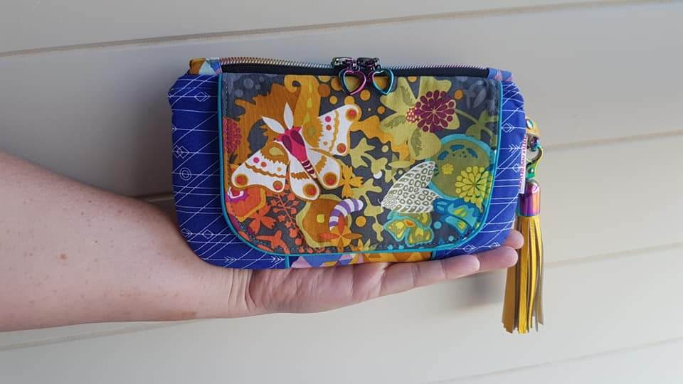 Wanderer's Clutch Sew Along – Day 4.
