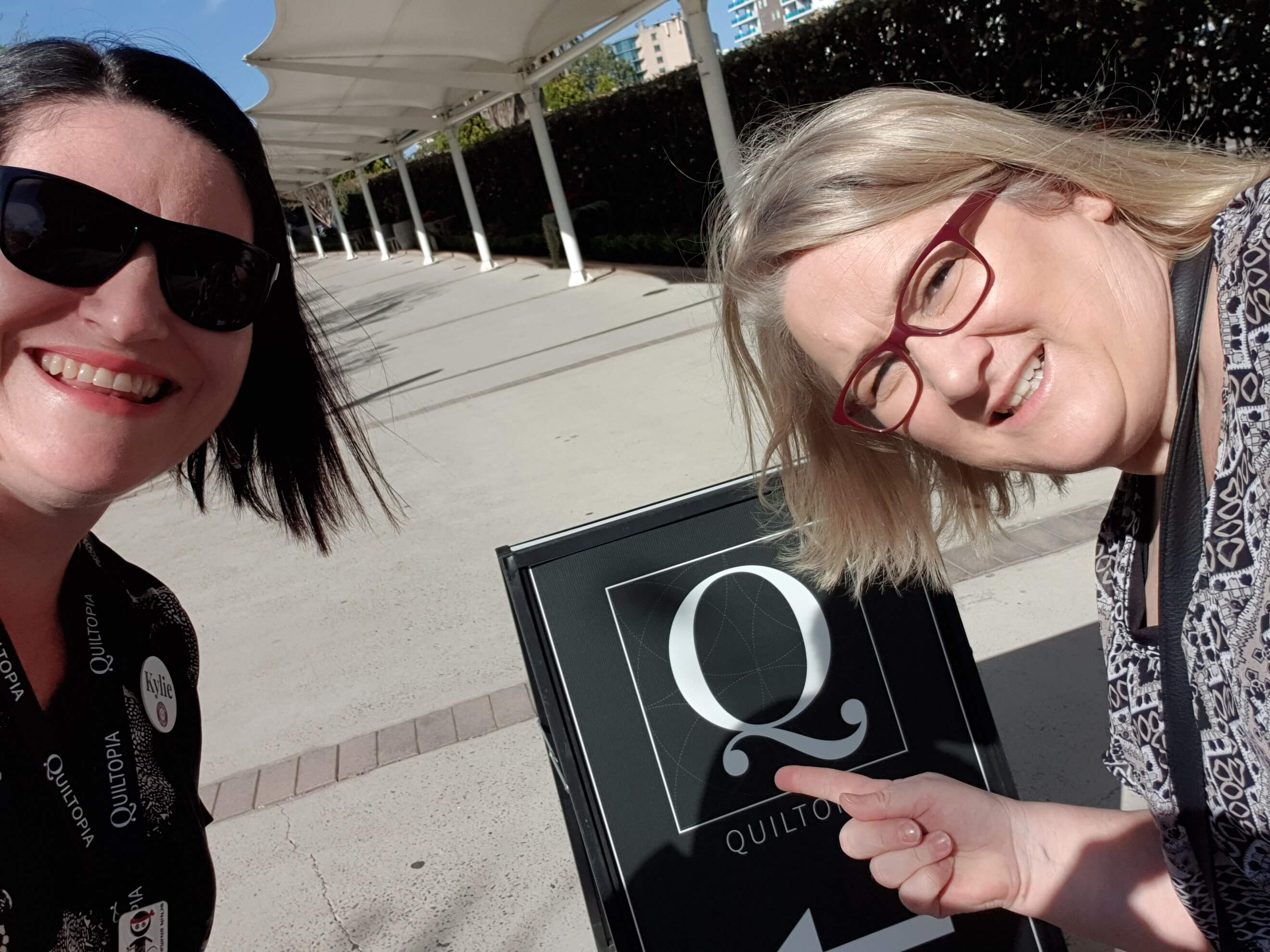 I had so much fun with new friends, Helen Stubbings and I heading into the Quiltopia event.